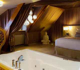 Suite avec jacuzzi indian